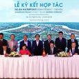 Các đối tác (từ trái qua: Ông Vũ Văn Hải – TBS Group, bà Đặng Thị Ngọc Dung – Cty TNHH Tân Hiệp, ông Steven Chu – Nam Long, ông Toru Shigemizu- NNR) cùng tiến hành ký kết hợp tác dự án Waterpoint Long giai đoạn 1.