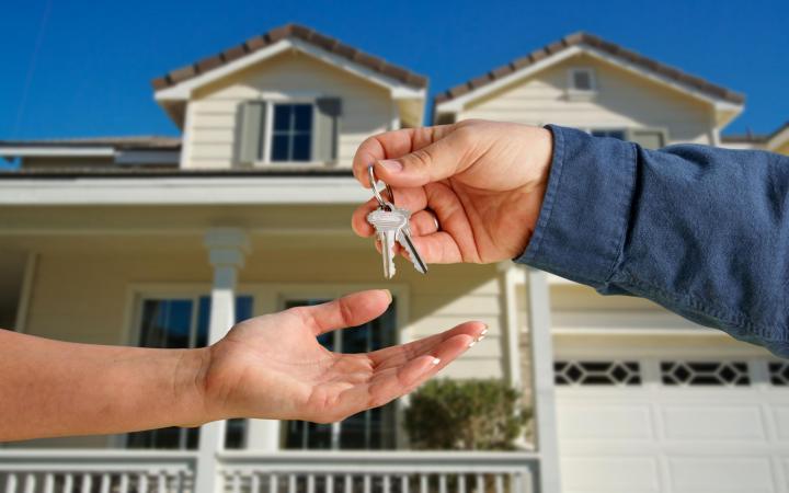 Tháng cô hồn không nên mua nhà