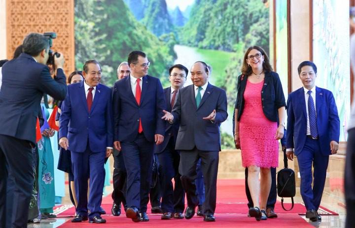 """Chính thức ký Hiệp định thương mại EVFTA: """"Cú hích"""" làn sóng đầu tư từ EU vào Việt Nam"""