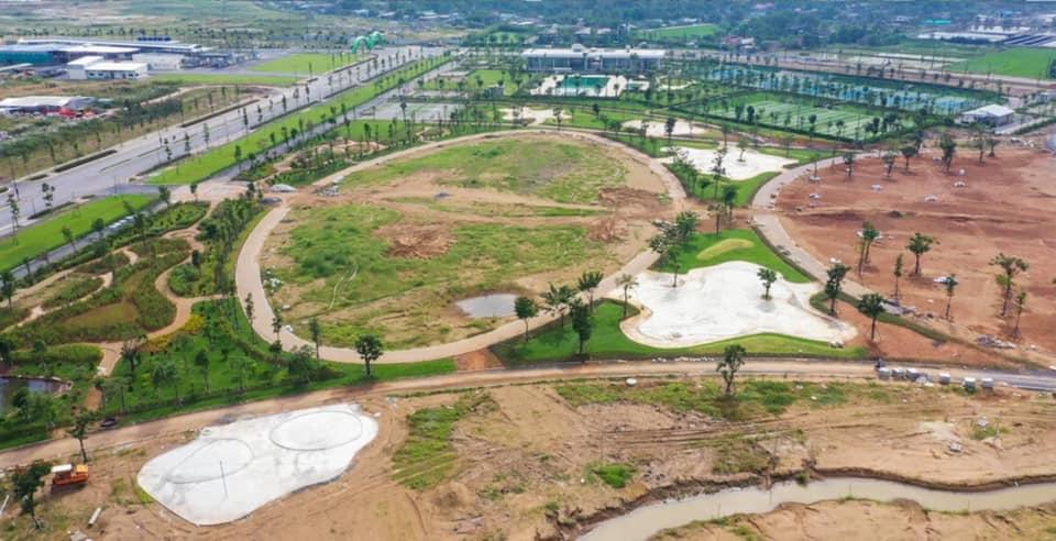 Mảng xanh công viên Waterpoint đang dần hoàn thành