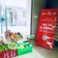 """""""Góc Siêu thị 0 đồng"""" được tổ chức tại Khu Căn hộ Flora Fuji (phường Phước Long B, thành phố Thủ Đức) cung cấp rau củ quả và nhu yếu phẩm mỗi ngày"""